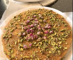 Pistachio rose lemon semolina cake by Layelle
