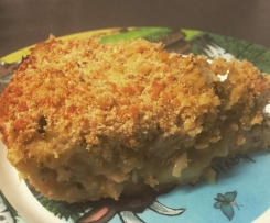 Chunky chicken and fennel pie with parmesan crumb
