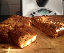 Apricot and Date Slice