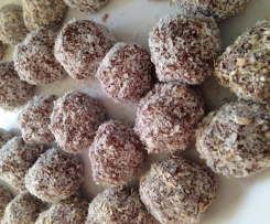Raw Vegan Bliss Balls (adapted from notquitenigella)