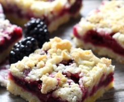 Blackberry Crumble Slice