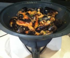Mussels with white wine & tomatoes