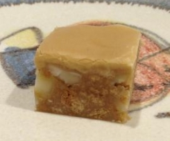 Coffee Macadamia Slice