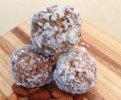 Chocolate Power Protein Balls