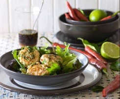 Salmon fishcakes with red capsicum and basil salad