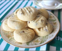 Easy Choc Chip Cookies