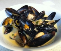 Fragrant Thai Mussels