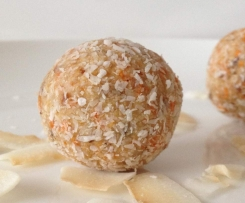 Carrot, Cashew and Coconut Bliss Balls