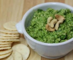Cashew Parmesan and Spinach Dip