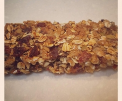 Healthy nut-free sugar-free muesli bars