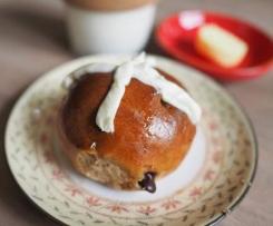 Choc chip buttermilk hot cross buns
