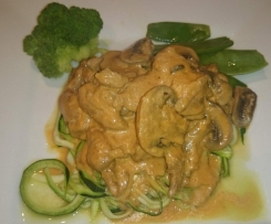 Chicken Stroganoff with Zoodles LCHF