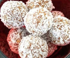 Salted Date and Pecan Protein Balls