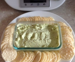 Avocado and goats cheese dip