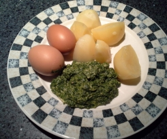 Creamy Spinach with potatoes & eggs