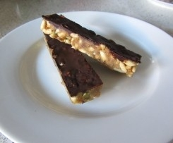 Nut, Puffed Rice and Chocolate bars