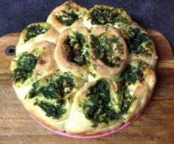 Spinach, fetta and pinenut pull-apart bread