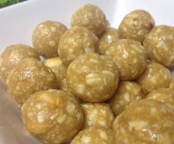 Crunchy Peanut Butter Balls(Refined sugar free, dairy & egg free)