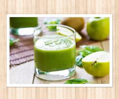5 ingredient Spinach and apple smoothie