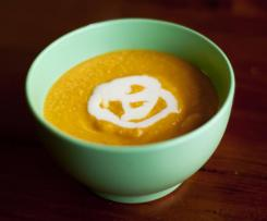Quick Carrot & Cashew Soup