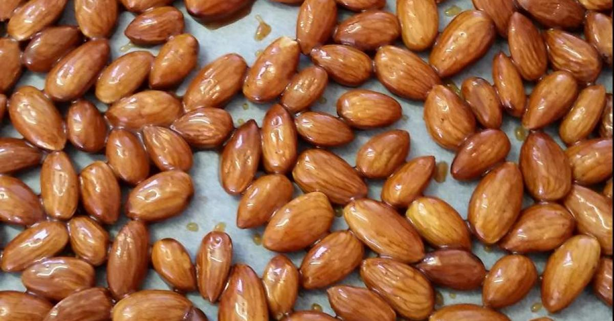 Honey Cinnamon Roasted Almonds by cake cook. A Thermomix ...