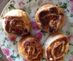 Apple & fruit chutney scrolls