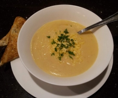 Carola's Cauliflower Soup