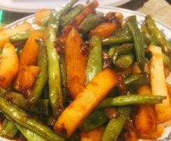 Stirfry greeg beans with potato