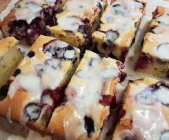 White Chocolate and Blueberry Cake with Lemon Glaze