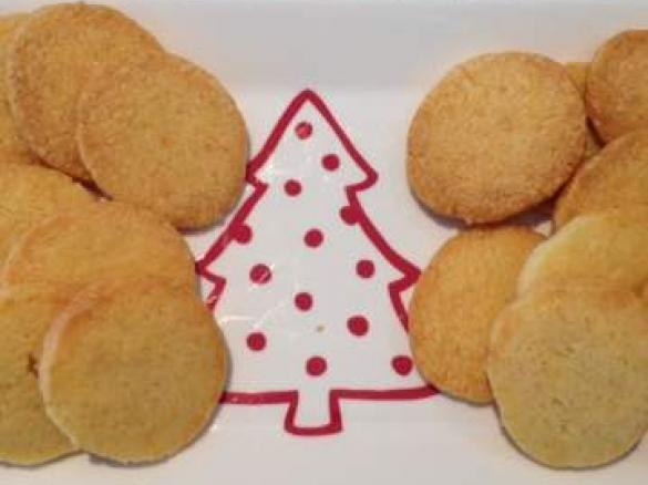 Christmas Cheese Biscuits