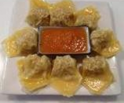 Steamed Dumplings with Dipping Sauce