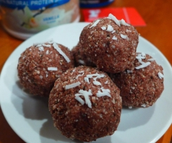 Cacao and Chia Protein Balls