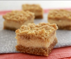 Creamy lemon crumble bars