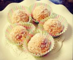 Strawberry coconut almond Amazeballs