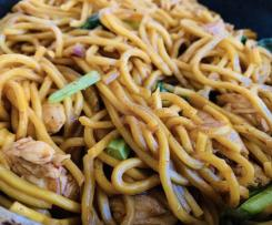 AUTHENTIC MEE GORENG (Stir Fry Noodles)