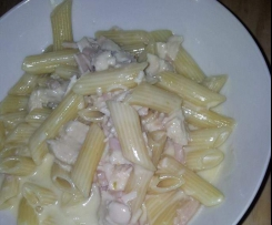 seriously creamy chicken and bacon fettucine