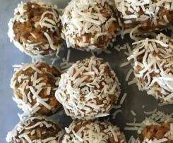Raw Carrot Cake Bliss Balls