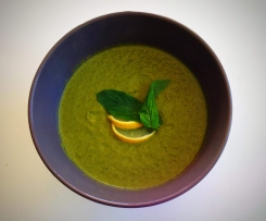 Broccolini, Kale & Mint Soup