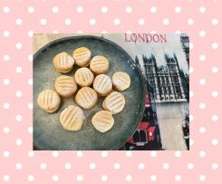 Dotty's Melting moments with Maple buttercream