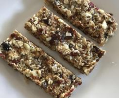 Honey, Date, Goji Berry, Oat & Almond Energy Bars