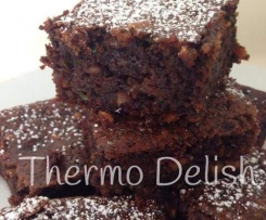 Peanut Butter, Zucchini & Chocolate Brownies
