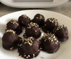 Choc-Coconut Balls (bounty balls)