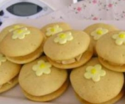 Lovely Lemon Whoopie Pies