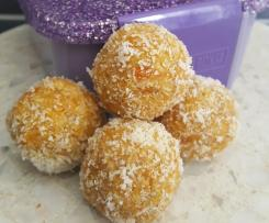 Quick Apricot & Coconut Bliss Balls - Nut & Sugar Free