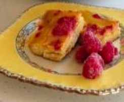 Gooey Lemon Slice with Raspberries