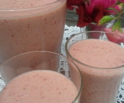 Creamy Pink Smoothie - adapted from My Darling Lemon Thyme
