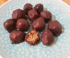 ANZAC Choccy Biccy Balls
