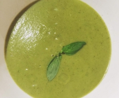 Broccoli soup: Low Carb and Paleo