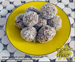 Date, Chia and Coconut Balls