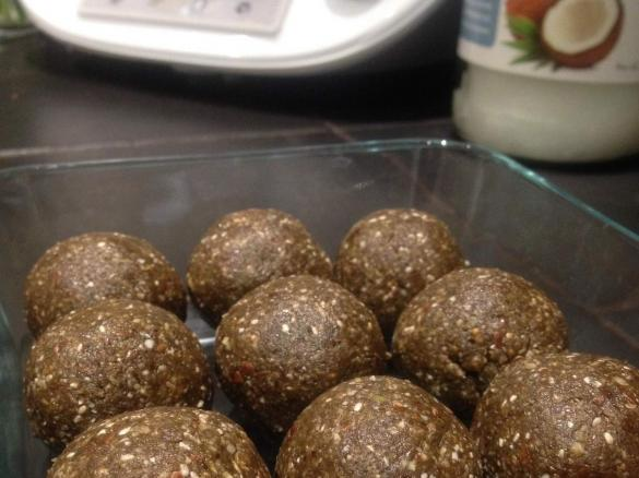 Super green protein balls grain free nut free sugar free raw thumbnail image 1 forumfinder Image collections